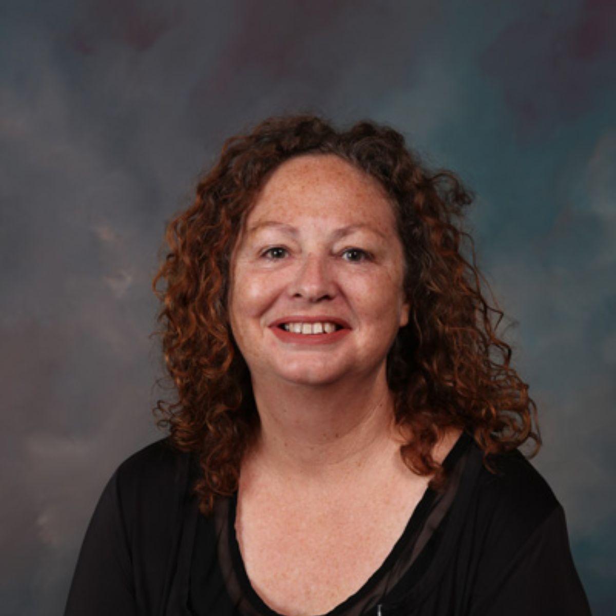 Ms R. Davis
